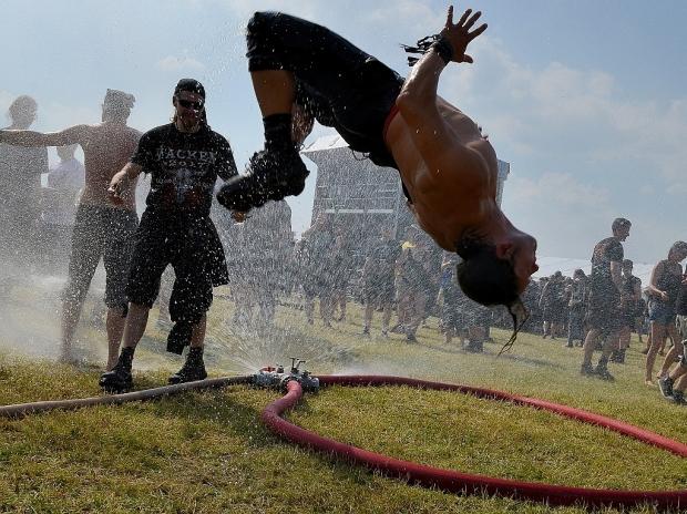 Spaß und Kurzweil auf dem Flugplatz in Ballenstedt beim diesjährigen Rockharz Festival. Foto (c) Norbert Pfeifer, musikmag.de (Bild 5)