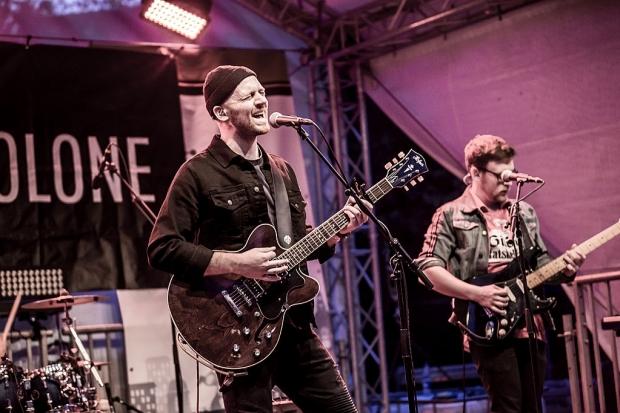 Headliner auf der Kulturbühne: Kyles Tolone spielten große Alternative-Rock-Pop-Songs. (Bild 3)