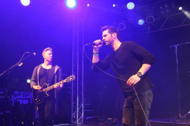 Vertical Planet eröffneten den musikalischen Teil des Abends mit eingängigem Rock. (Bild 5)