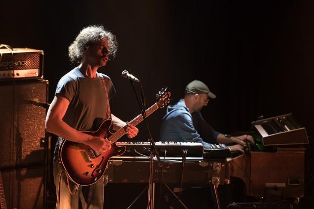 Colour Haze um Gitarrist und Gründungsmitglied Stefan Koglek hatte sich mit einem Keyboarder verstärkt. (Bild 2)