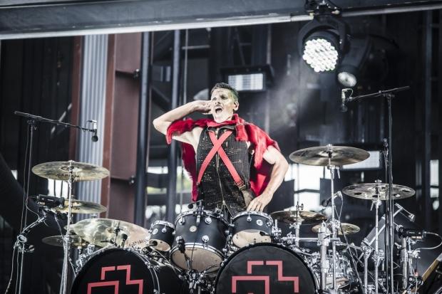 Rammstein-Schlagzeuger Christoph Schneider bei der Stadionshow in Hannover (Bild 2)