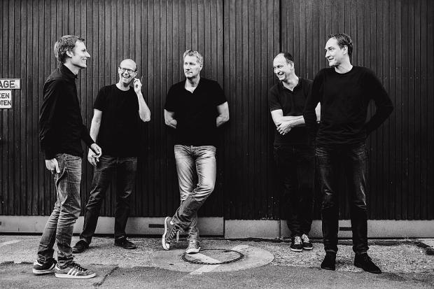 """Kettcar kündigen ihr Comeback, das Album """"Ich vs.Wir"""" und eine Hannover-Show für Februar 2018 an, die noch vor dem Jahresende ausverkauft sein wird. Foto (c) Andreas Hornoff (Bild 4)"""