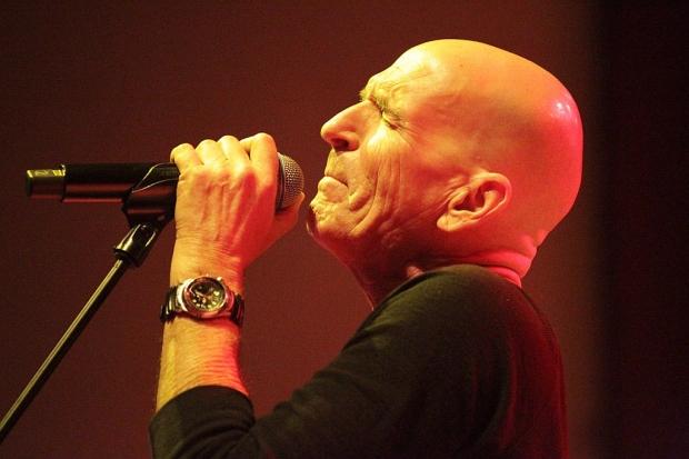 SAGA-Sänger und Frontmann Michael Sadler (Bild 4)