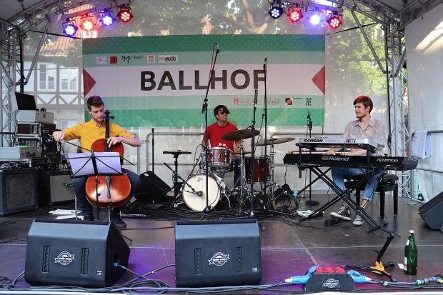 Beta Con Bria auf der Bühne auf dem Ballhofplatz. (Bild 5)
